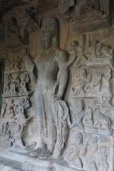 bodhisattva priant pour la délivrance des huit dangers